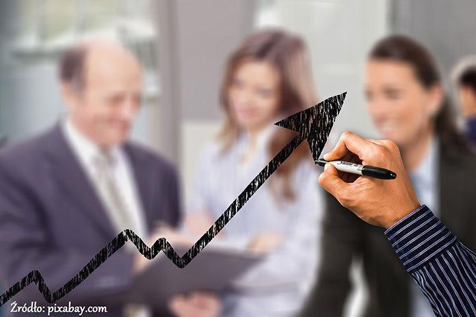 Kurs ISO 9001 – jakie daje korzyści dla klientów i pracowników?