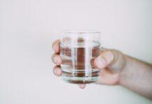 Szklanka wody na czczo